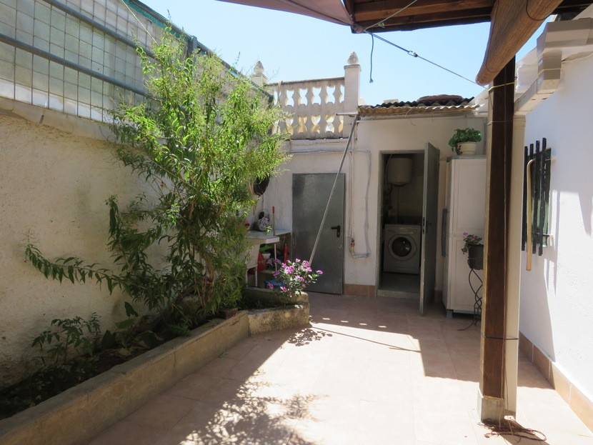 Garden - 6 bed 4 bath Lliria