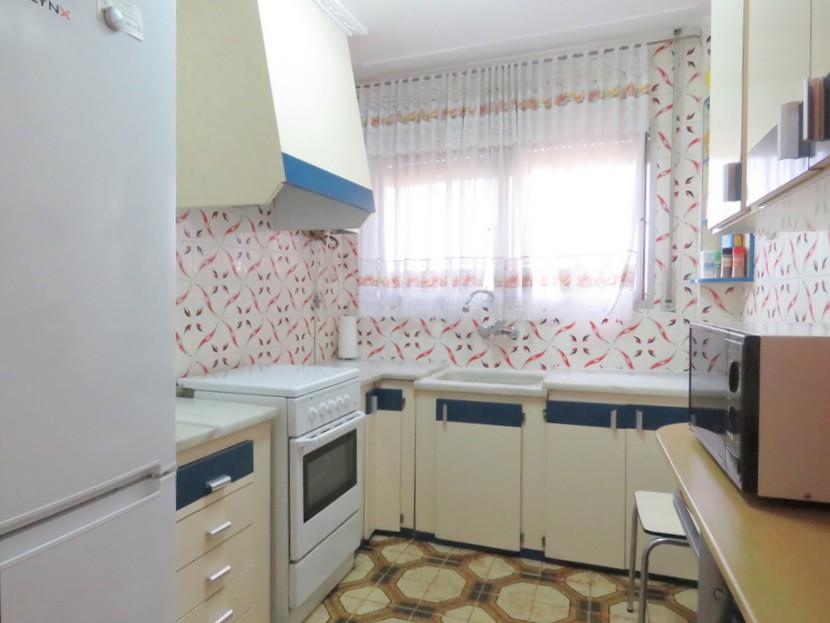 Kitchen  - 5 bed 2 bath Montserra