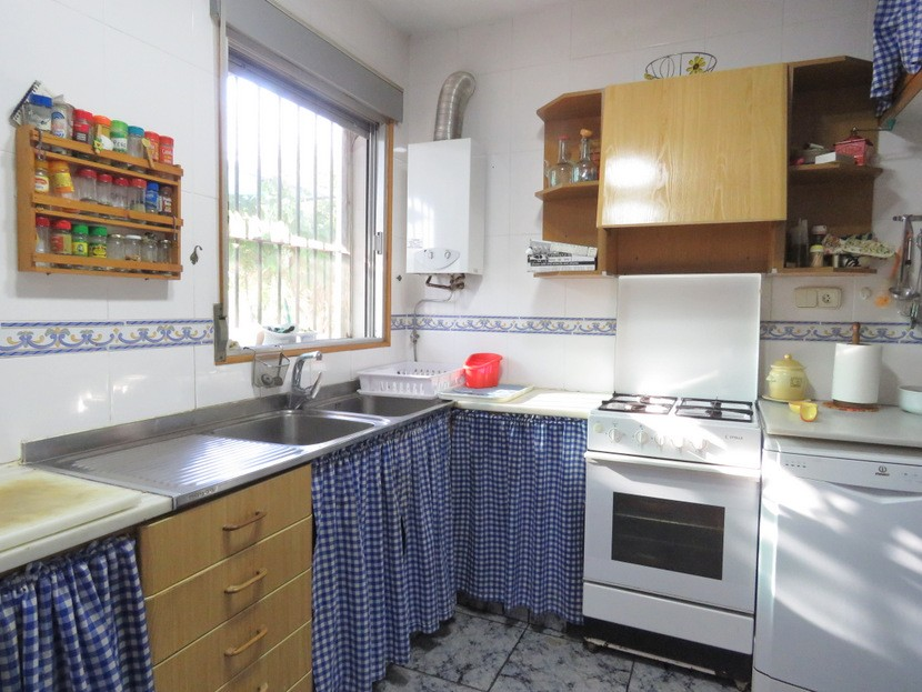 Kitchen - 3 bed 1 bath Betera