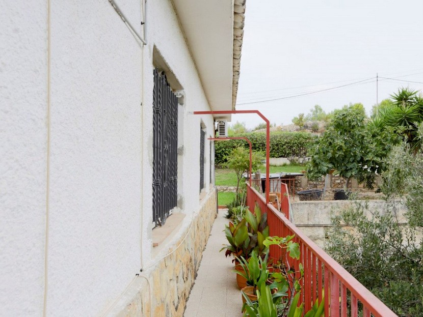 Balcony - 6 beds 3 baths Torrent
