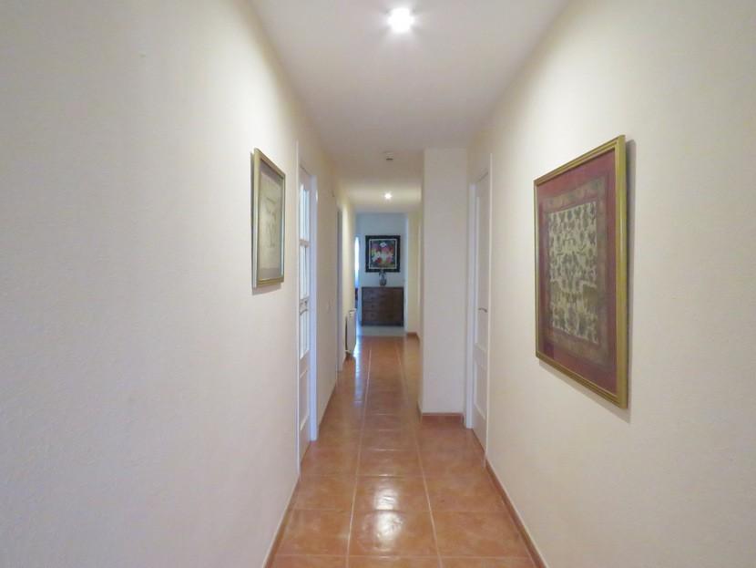 Hallway- 6 bed 3 bath Torrent