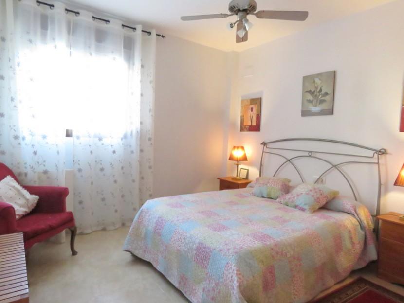 1st bedroom - 6 bed 3 bath Torrent
