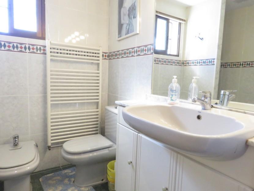 Ensuite - 6 bed 3 bath Torrent