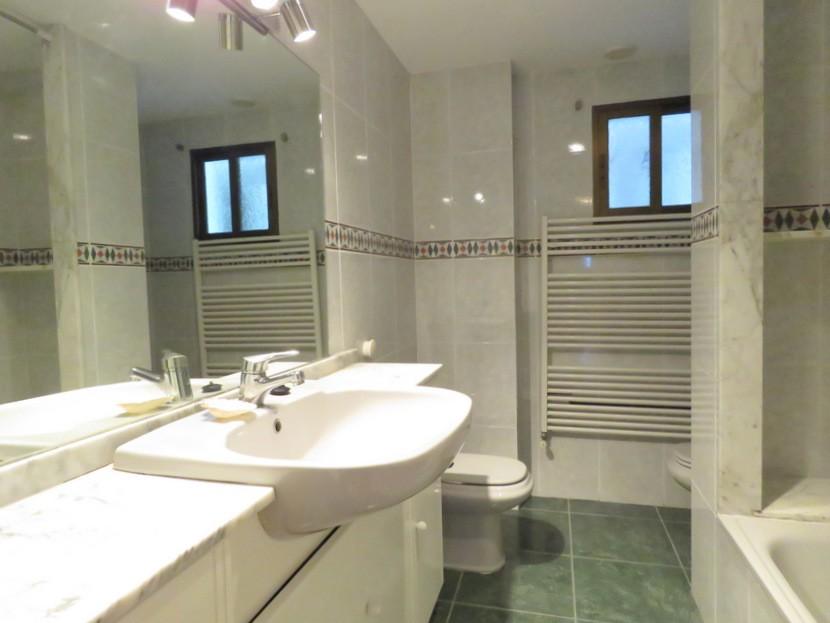 3rd bathroom - 6 bed 3 bath Torrent