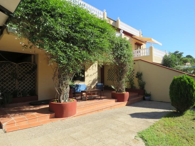Front terrace - 6 bed 3 bath Torrent