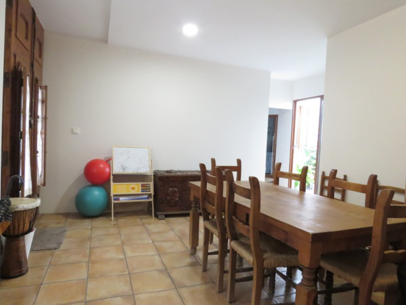 Downstairs living space  - 4 bed 2 bath Betera