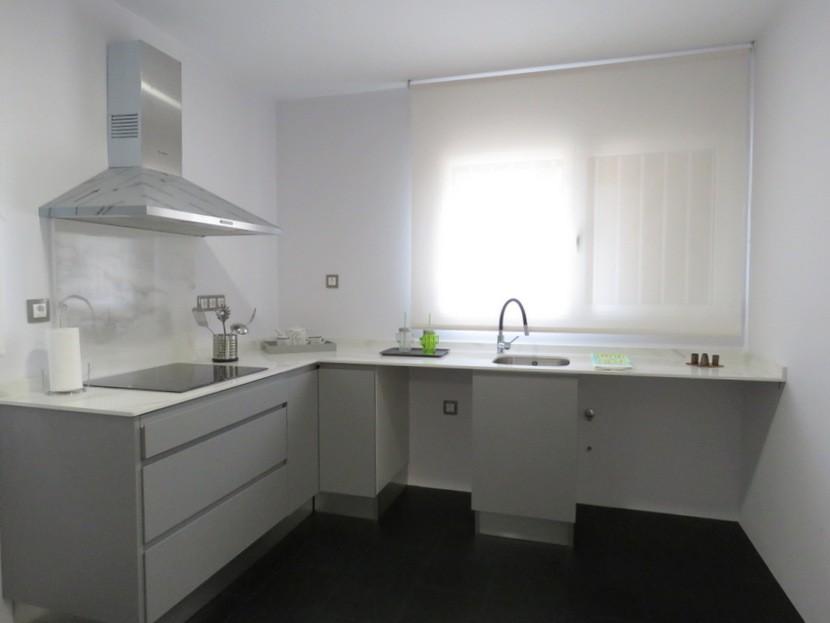 Kitchen  - 5 bed 3 bath Chiva