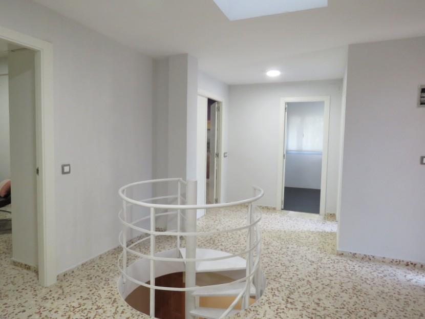 Hallway  - 5 bed 3 bath Chiva