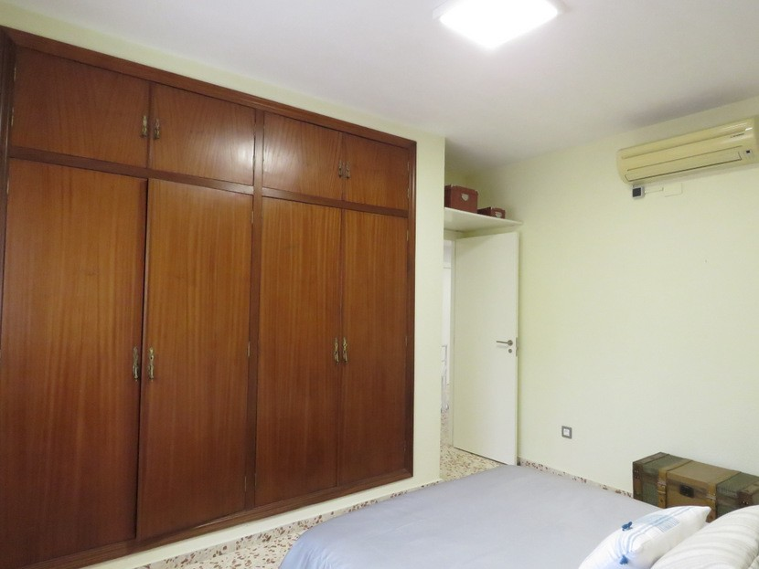 Built in wardrobes  - 5 bed 3 bath Chiva