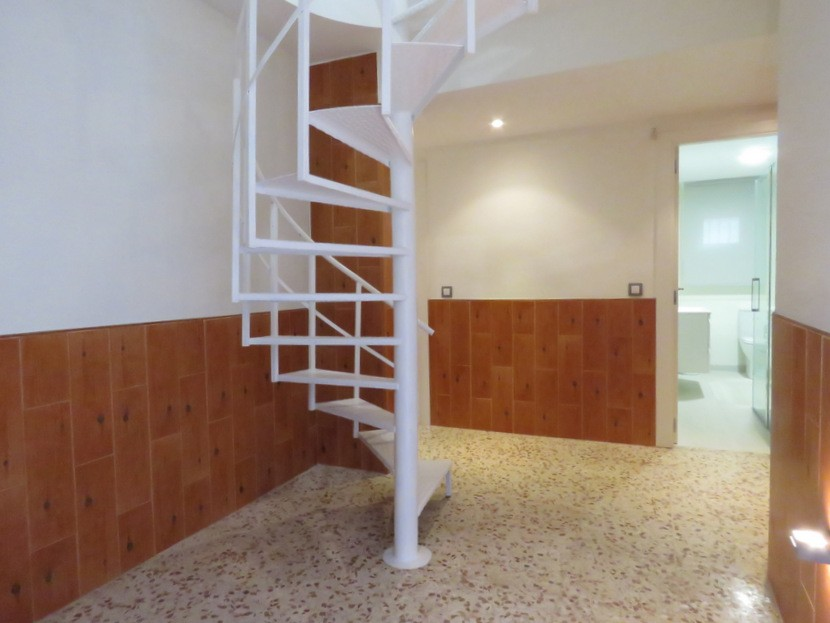 Downstairs  - 5 bed 3 bath Chiva