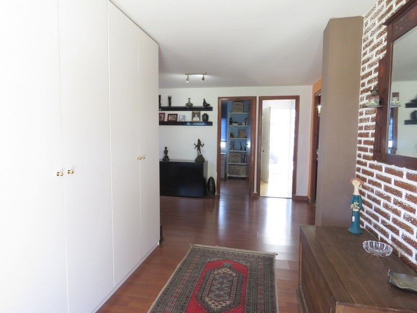Entrance hall  - 3 bed 1 bath Lliria