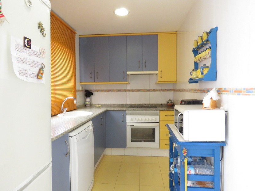 Kitchen  - 3 bed 1 bath Lliria