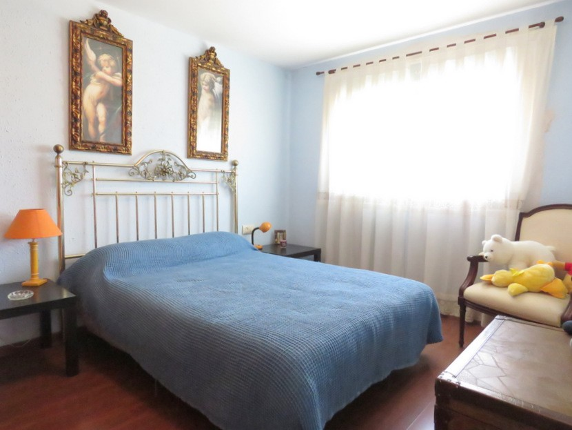 Master bedroom  - 3 bed 1 bath Lliria