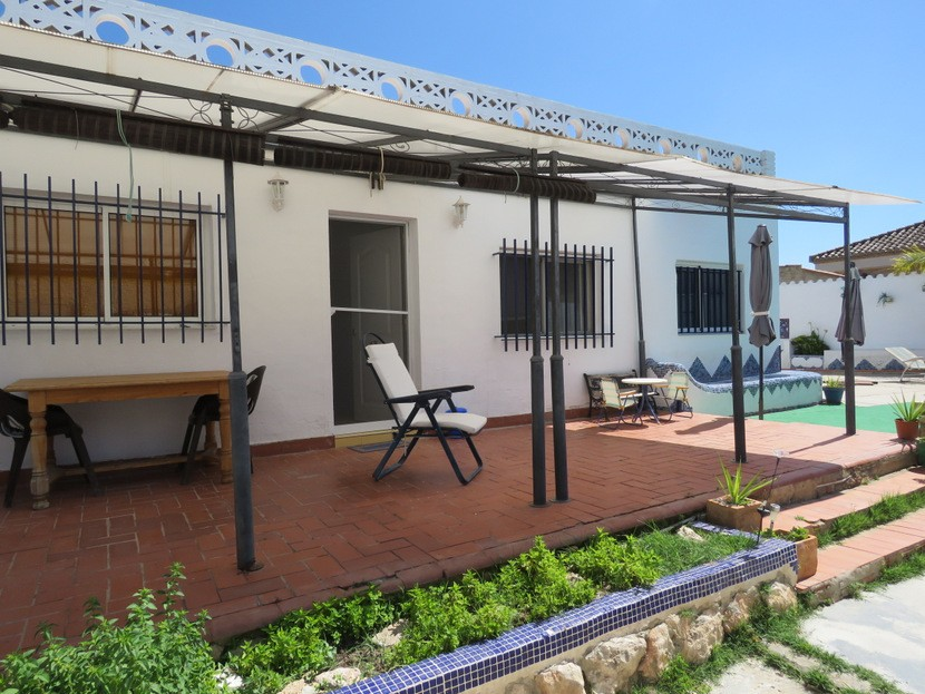 Rear terrace  - 3 bed 1 bath Lliria