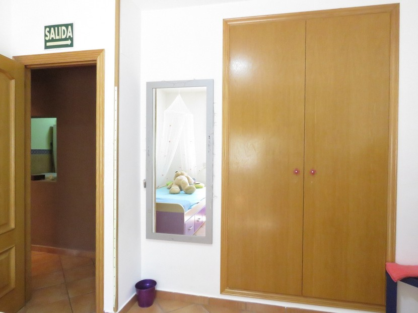 Built in wardrobes  - 3 bed 2 bath Olocau