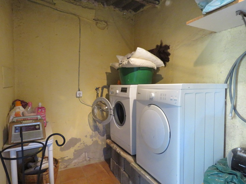 Laundry room / storage  - 3 bed 2 bath Olocau