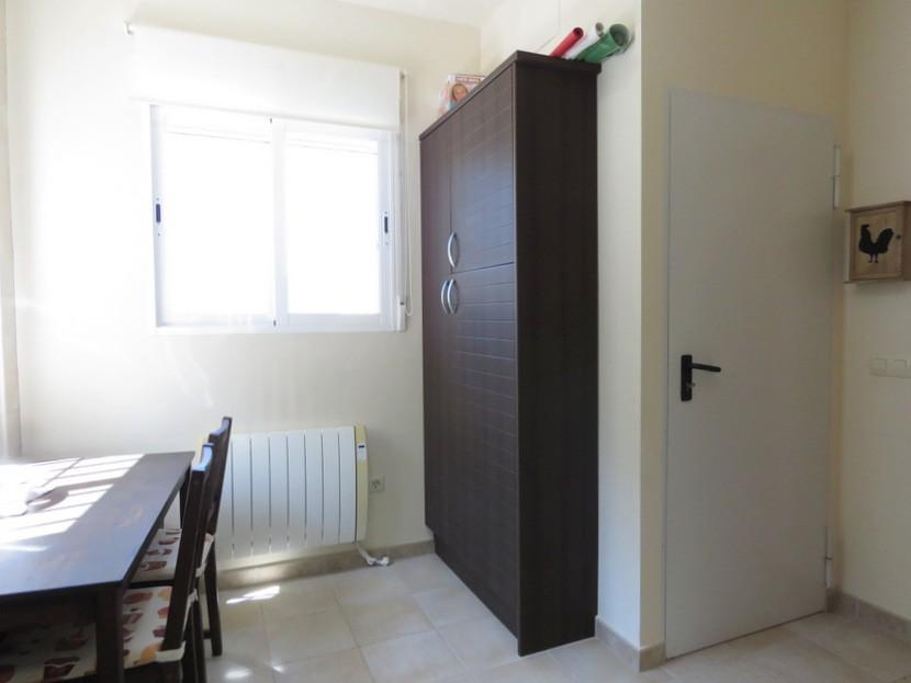Door down to garage  - 4 bed 2 bath Torres Torres
