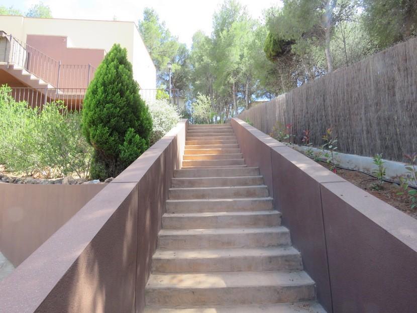 Steps up to property  - 4 bed 2 bath Torres Torres