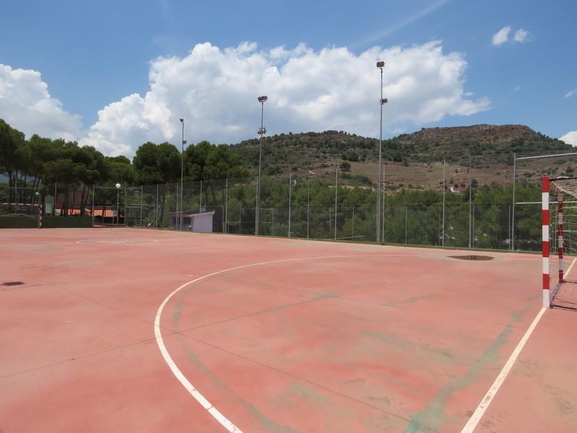 Sports courts  - 4 bed 2 bath Torres Torres