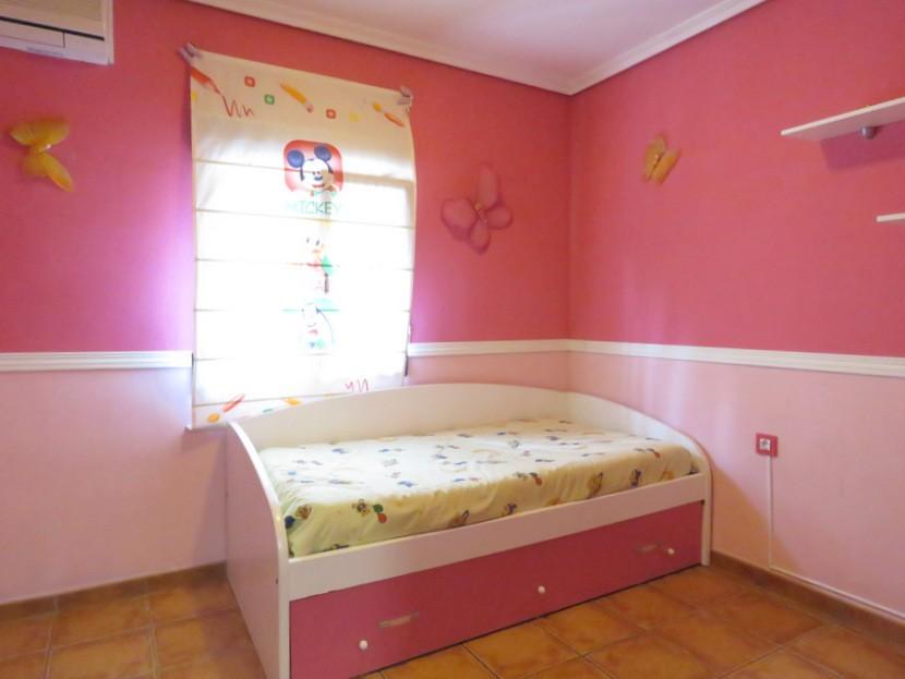 2nd bedroom  - 3 bed 1 bath Llíria